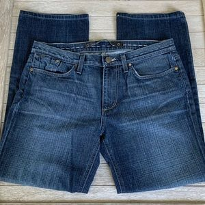 Joe's Jeans The Classic in Malcom wash. Size 34